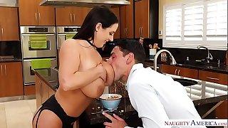 Aussie Angela White's thick tits get milky - Wild Ameirca