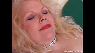 Super cute lush old spunker fucks her fat juicy pussy for you