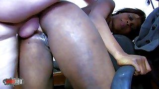 Puny Black slut hard anal fucking and splashing