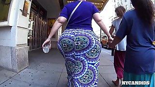 Big candid ass MEGA BUTT